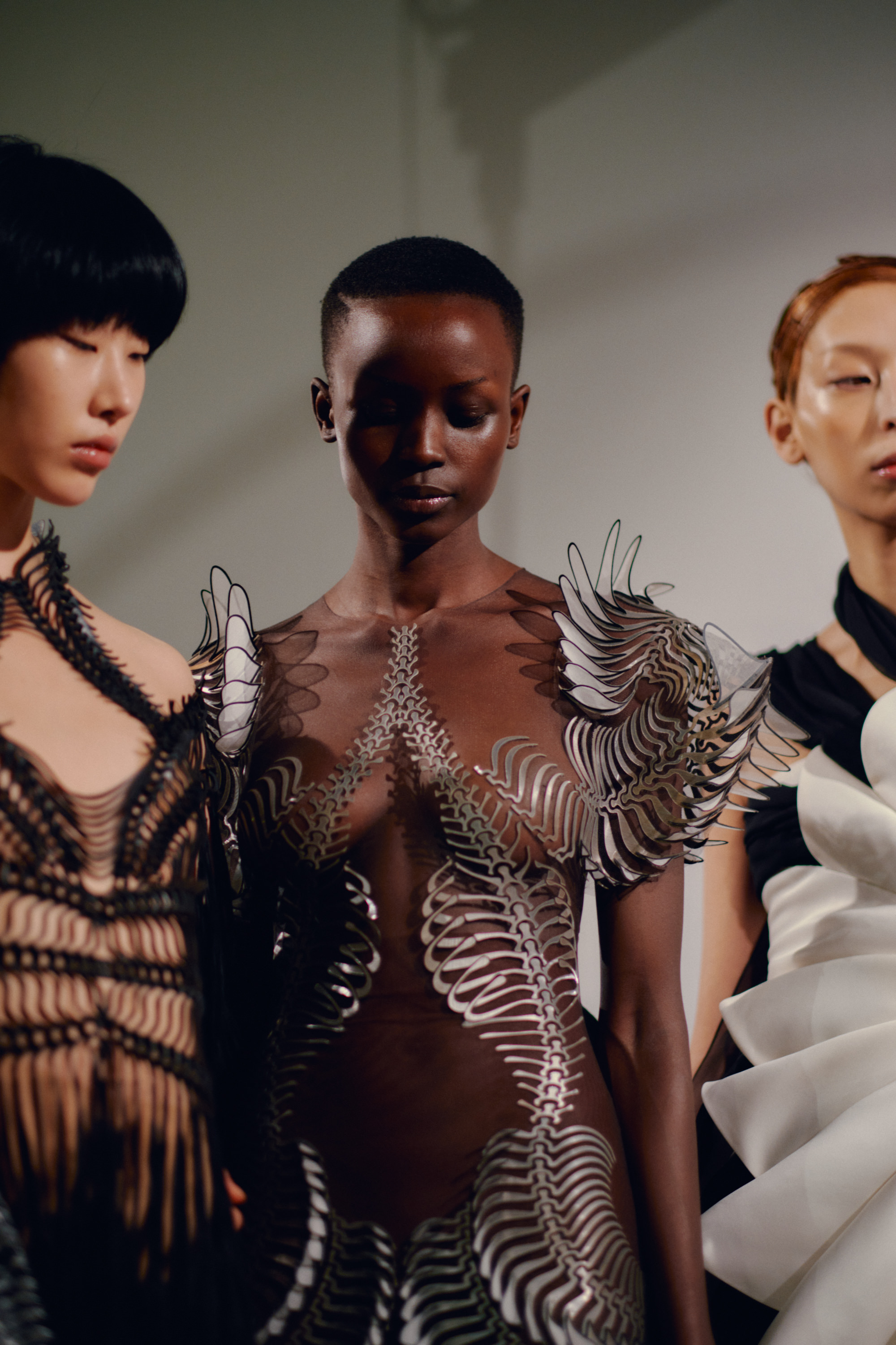 0204_IrisVanHerpen_Couture_Vogue_20Jan2020_Credit-Jamie-Stoker